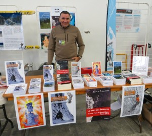 Thierry Clavel sur le stand Ibex Books