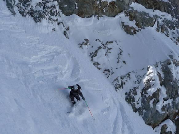 Ski de pente raide à l'Olan (couloir occidental)